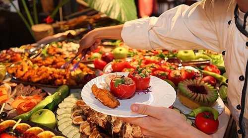 ăn tiệc buffet