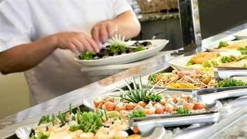 những món ăn tiệc buffet không tốt sức khỏe